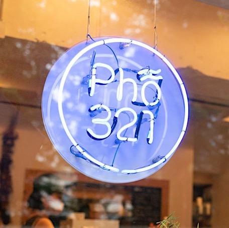 Pho 321 (オシャレでフォーが美味しいベトナム料理店)