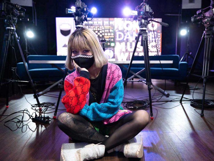 DJ / 活動家 / J-WAVE「TOKYO M.A.A.D SPIN」ナビゲーター  | Naz Chris